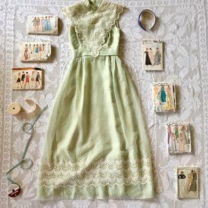Vintage light green cream lace long maxi dress XXS